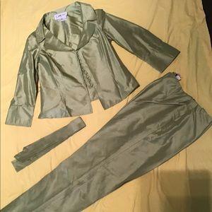 CARLISLE 100% Silk pant suit